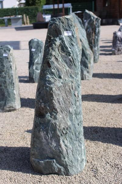 Green Angel Monolith ca. 35x35x105cm