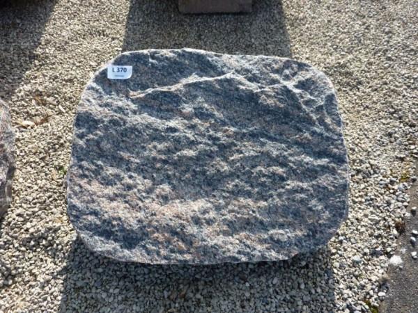 Liegestein aus Halmstad 50x40x14 cm, spaltrau