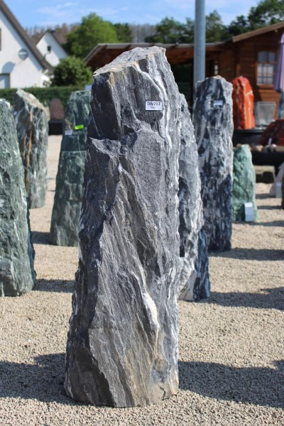 Black Angel Monolith ca. 33x22x110cm