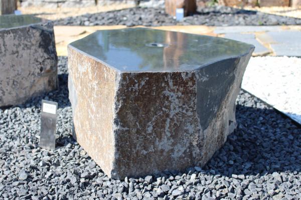 Quellstein aus Basalt ca. 50x50x30cm