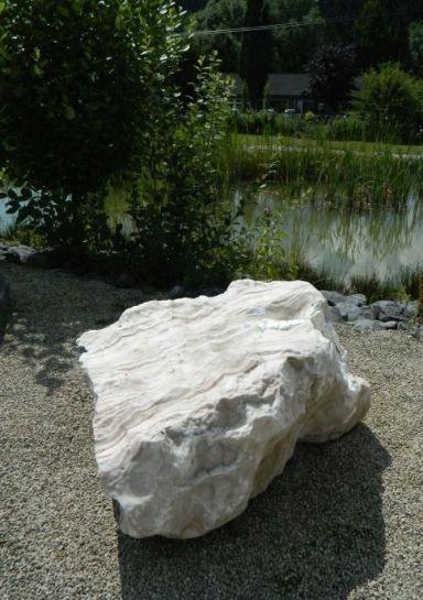 Gartenstein aus Onyx 90x90x50cm